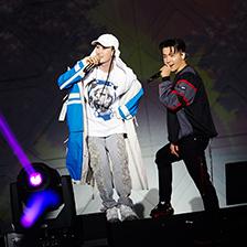 슈퍼주니어-D&E, 방콕도 뜨겁게 달궜다! 4년만의 태국 단독 콘서트 성황!