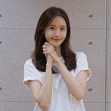 '흥행 퀸' 도약한 임윤아, '엑시트' 900만 돌파 공약 이행!